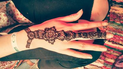 Bold and Striking Hand Henna